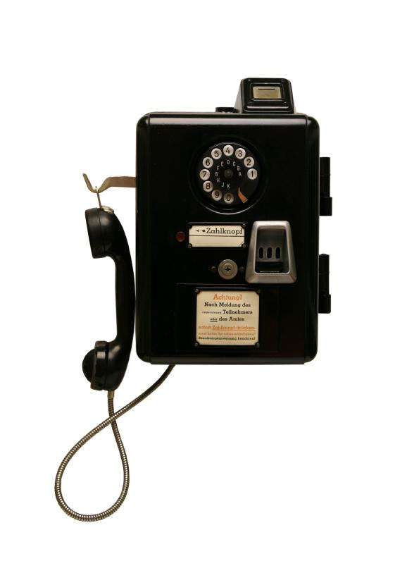 My iPhone can make phone calls?